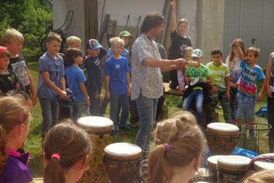 Bubnování v kruhu s Petrem Šušorem obrázek